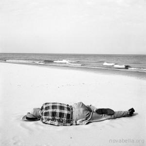 vivian-maier-beach-1956-1368446169_org